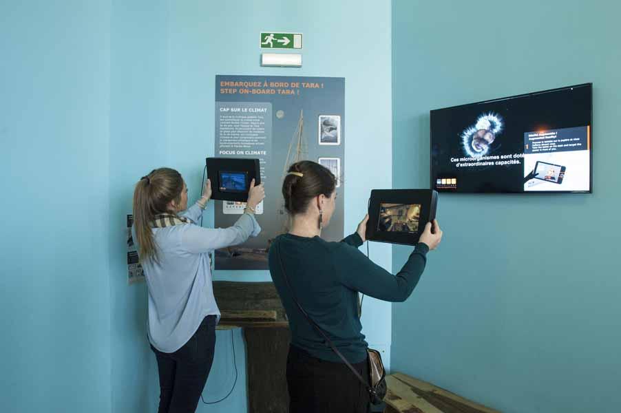 expo Climat-espace Tara-tablette-public-A-Rosenfeld (2)