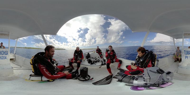 XperienSea-Immersion360-700requins_Equipe-Gombessa-Credit-photo_Le cinquieme-reve-Neotopy (Copier)